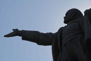 Dia 10 Estatua de Lenin en Bishkek