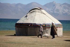 Dia 11 Pareja Kirguisa Lago Son Kul