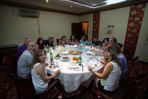 Dia 13 Mesa Redonda Restaurante Kashgar
