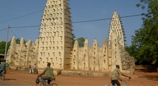 Arquitectura en barro en Burkina Faso