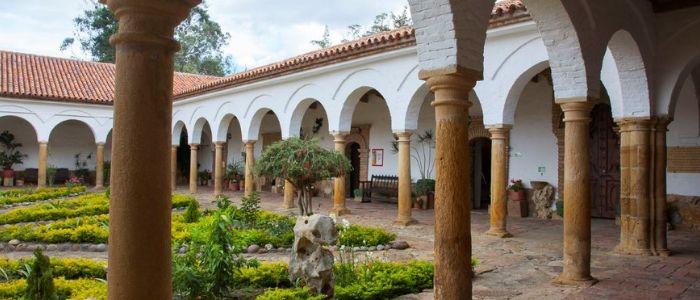 Uno de los atractivos en los alrededores de Villa de Leyva es la visita al monasterio Santo Ecce Homo