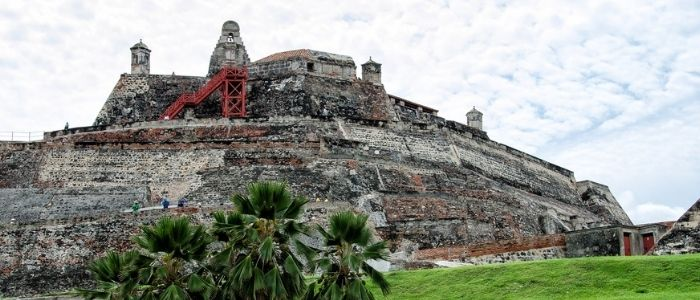 castillo de San Felipe imprescindible en la lista de qué ver en Cartagena de Indias