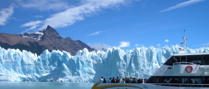 Excurdsión en barco Perito Moreno